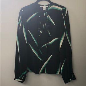 Diane Von Furstenberg black top, size 6